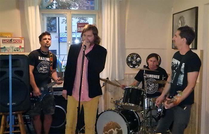 Ramones Revival Live